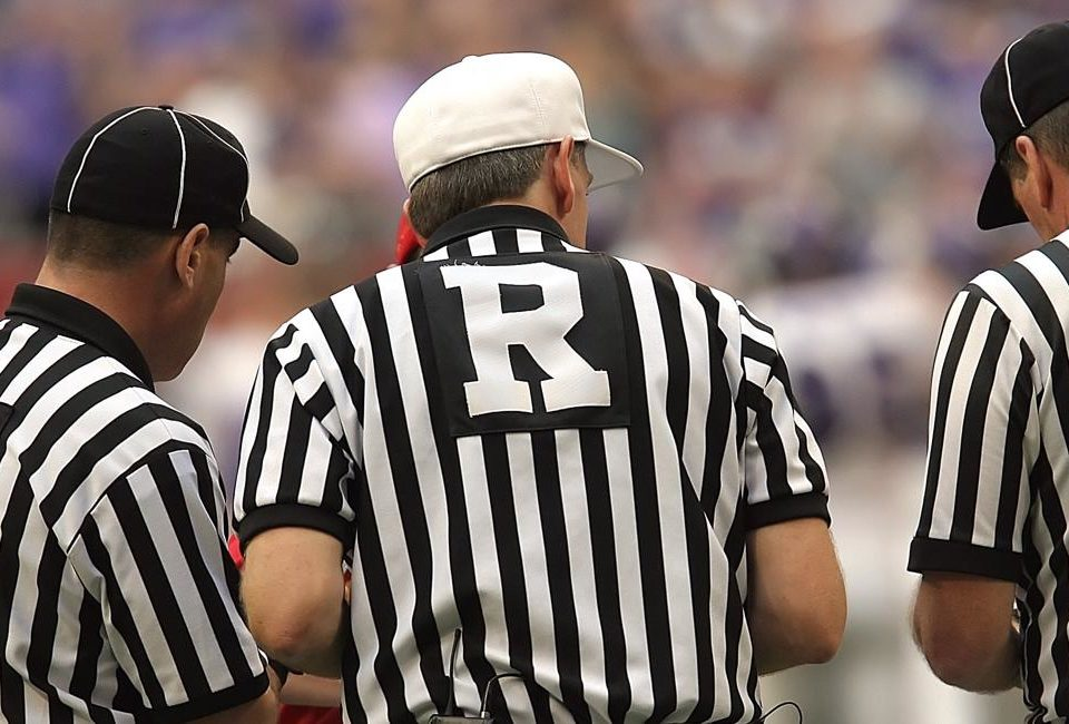 referees evaluating